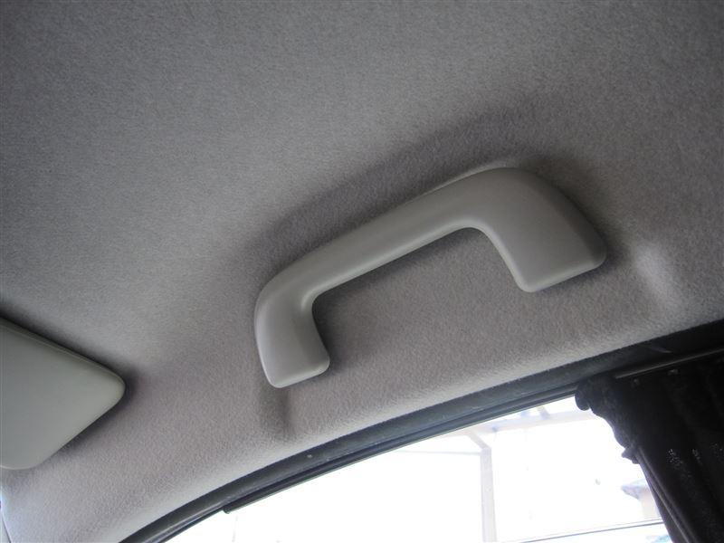 車内に取っ手を付けてくれた最初の人にお礼を言いたい。